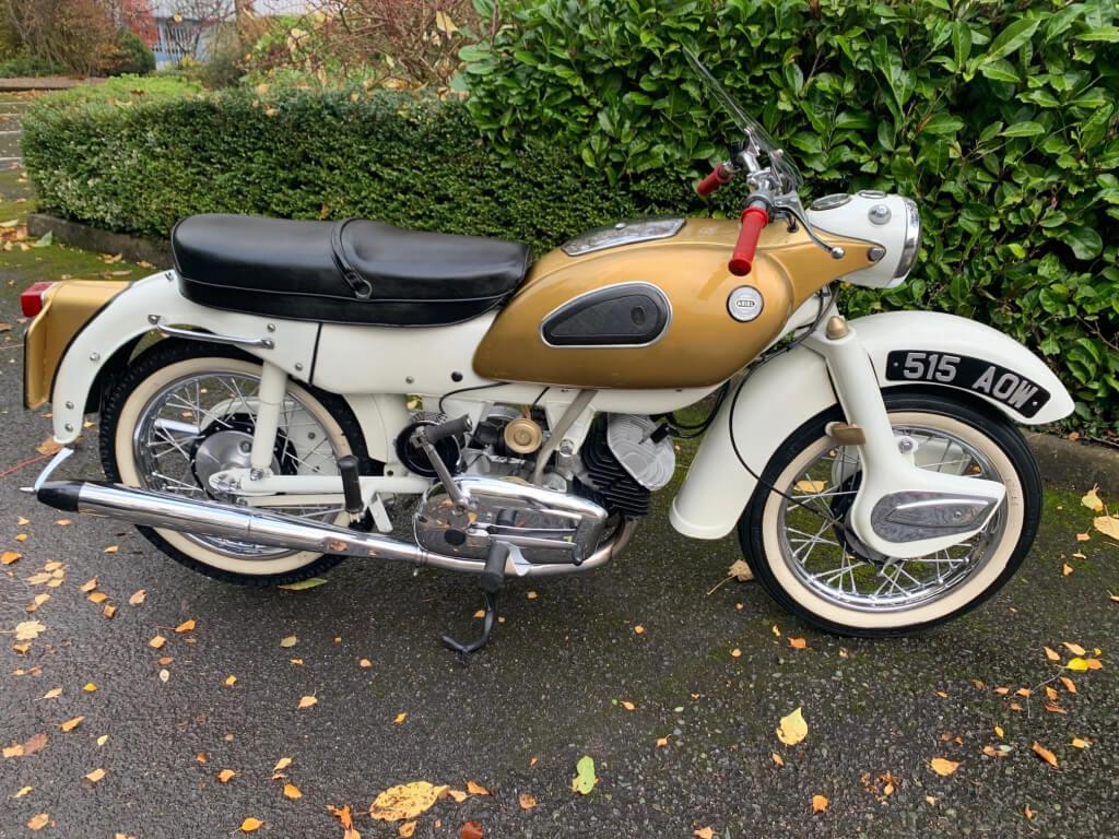 1962 Ariel 250 Golden Arrow