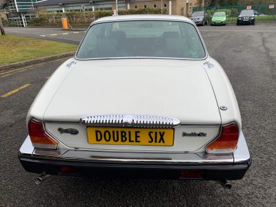 [SOLD] 1992 Daimler Double Six V12